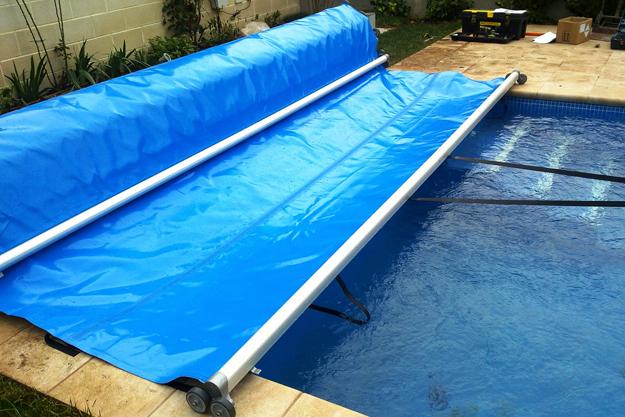 Cubierta de barras en aiguanet piscinas en tarragona for Camping tarragona piscina cubierta