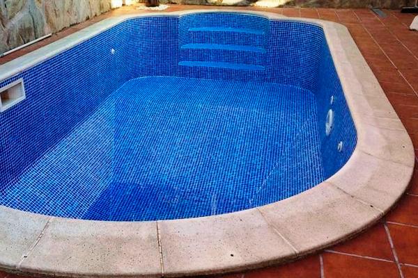 L mina armada piscinas de liner en tarragona liner armado for Precio de liner para piscinas
