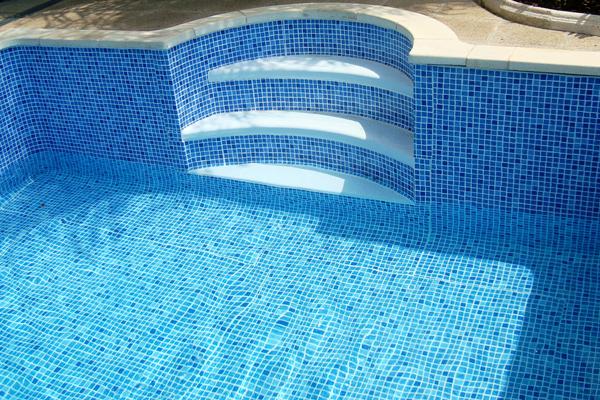 L mina armada piscinas de liner en tarragona liner armado for Liner para piscinas desmontables