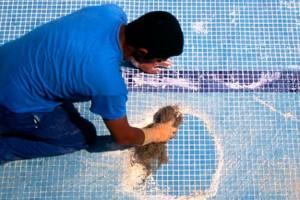 Rehabilitaci n de piscinas en aiguanet piscinas en tarragona for Gresite para piscinas precios