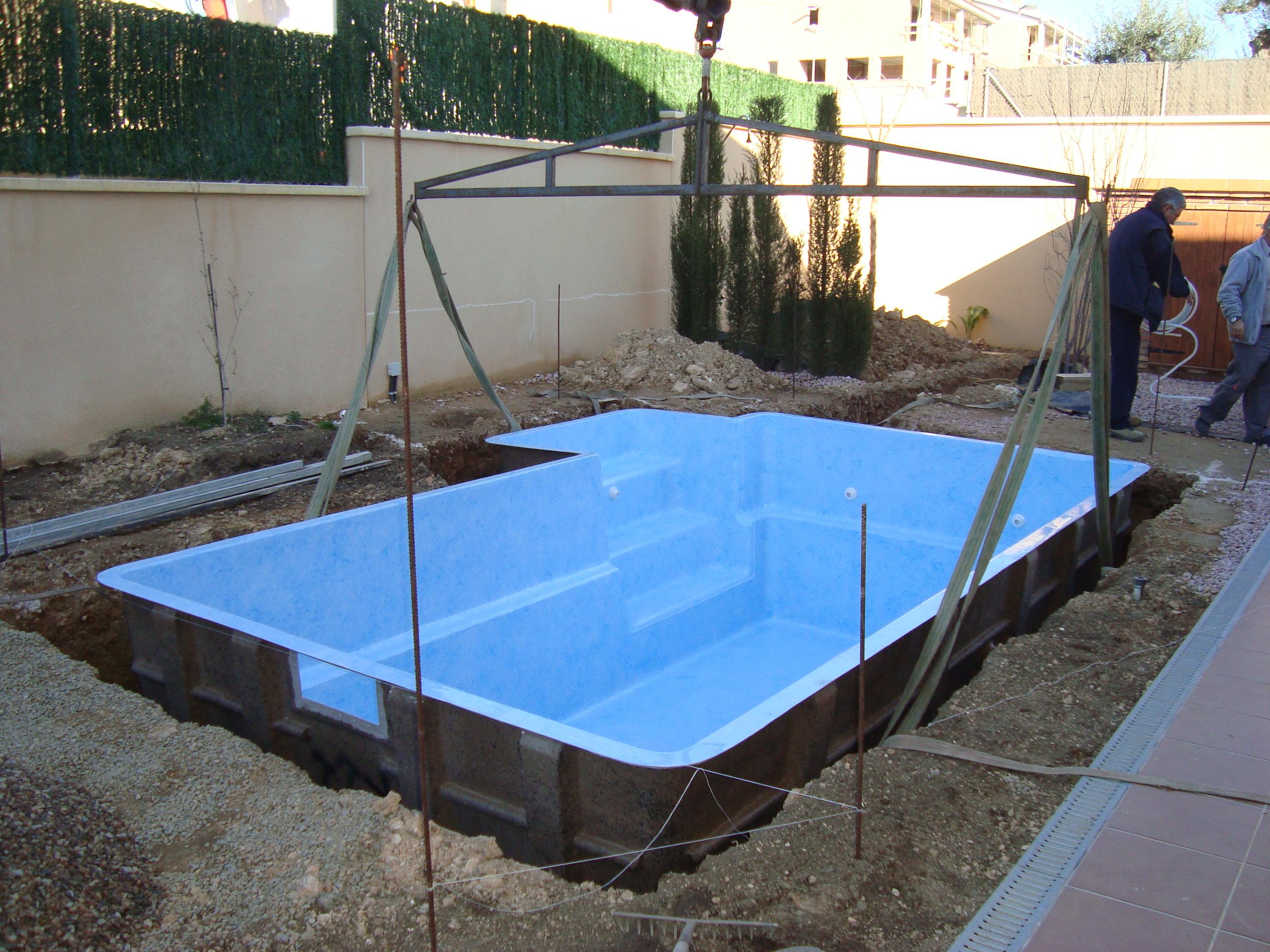 Piscinas de fibra en tarragona aiguanet instalaci n y for Como hacer una pileta de material paso a paso
